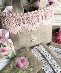 Peintre et Dessinatrice Textile